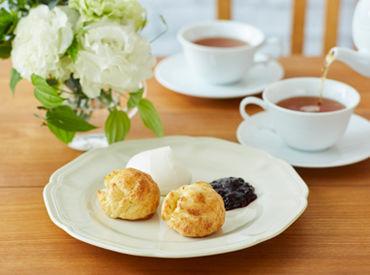 ★働きながら学べる環境 季節限定のパスタやスイーツが人気! お茶の知識や、おいしい紅茶の淹れ方もマスターできます。
