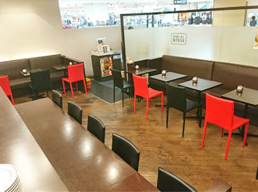 【Cafe Staff】時間が経つのが早く感じるどこか懐かしさのあるレトロCafe*+゜朝はゆったり10時から…夜はサクッと19時までのお店♪