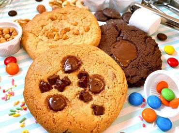 <HEAVEN'S DOUGH COOKIES>で販売しているクッキー☆彡 小さな工房で、ベイカーがすべて手作りで提供しているんです!