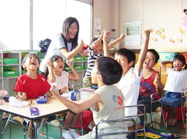 教室長が前で授業を進めるので… 担当する子ども達の様子を見ながら 声かけや丸つけなど 授業のサポートをお願いします◎