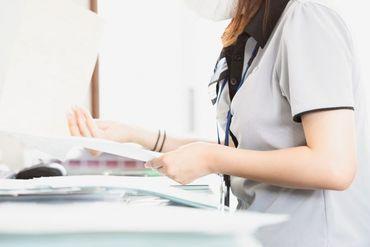 ★お仕事は伝票作成や県税事務所での手続きになります★ 午後からゆっくり出勤ですので、 午前中に家事を済ませてからでもOK!