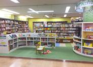 キッズスペースも充実★ 多くのお客様で賑わうお店です♪ 好きな本や雑誌もお得に購入できる社割制度ありも嬉しい!