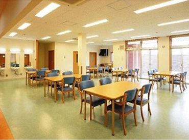 30~40代の主婦さんが活躍中☆彡 佐久市・小諸市・軽井沢から通っているスタッフが多数います! 是非一緒に、働きませんか?