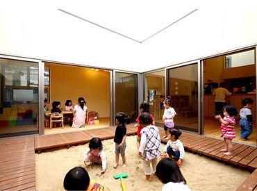 *2008年に開園* 中庭もあり、開放的で木のぬくもりを感じられる綺麗な園舎です。 室内でボルダリングができる遊具もあります♪