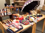 久留米の伝統工芸、久留米絣コーナー!! 丈夫で、素朴なデザインながらとってもかわいい♪ ついつい集めたくなっちゃいます★