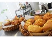 カフェと食堂が隣接♪全面窓ガラスの開放感ばつぐんの空間☆美味しいコーヒーとベーカリーは大人気!!