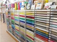 ズラッと並んだ色・色・色♪統一感のある見せ方も大事だから、整理整頓が得意な方も大歓迎(笑)!