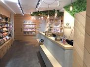 \髪色自由♪シフト相談OK!/ 現場での計測~設計図の制作等、 店舗空間をカタチにするお仕事♪ 働きやすい店舗を作ろう!