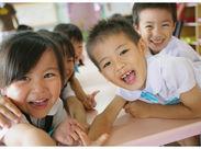 幼稚園や保育園でのお仕事なので、丁寧なマナー、笑顔での挨拶など…日頃の生活や就活にも役立つことを身に付けられますよ◎