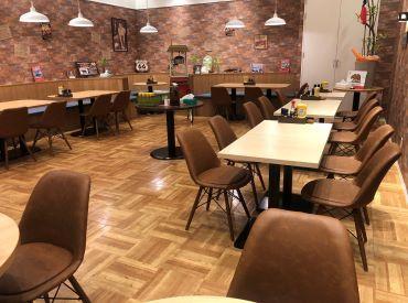カフェのようなオシャレな店内♪ 男女問わず幅広い方が活躍しています!