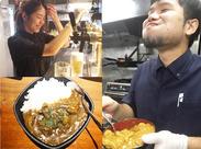 「このカレー、たまらんっす!」美味しい笑顔で写ってくれました♪(笑)一緒に食べたくならない?!(^_^)