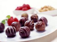 ナッツとチョコの極上ハーモニー!上品な味わいのピーカンナッツチョコレートが大人気なんです♪