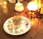 自慢のモンブランなど、おいしいケーキが多数!休憩中は、美味しいコーヒーが無料で飲めて、おトクなスタッフ割引もありますよ◎