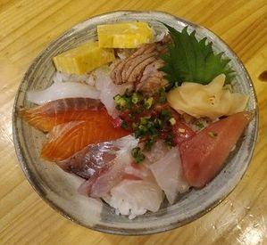 【ホールSTAFF】\シフトの融通効きます♪/こぢんまりで落ち着く雰囲気♪とっても馴染みやすい◆*。・まかないで≪お寿司≫が食べられる♪