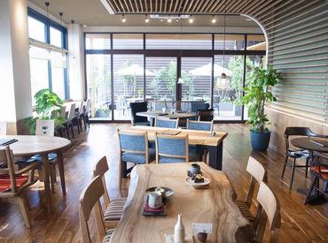 お店は『マックスバリュ』の2階!見晴らしがよくて開放感バツグン☆軽食メニューはワンコイン(200円)でお得に楽しめます♪