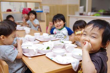 【保育園の調理スタッフ】- 調理士免許はなくてもOK ★ あなたの調理で子供たちを笑顔に -風通し◎の職場!安心して長く働ける、保育園での給食づくり!
