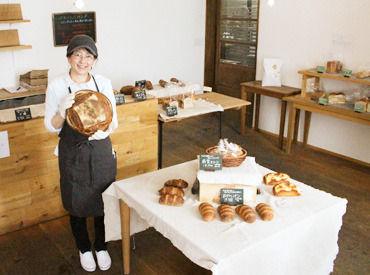 【パン屋STAFF】十勝生まれのオーガニックパンをステキな笑顔で販売◎気に入ったら翌日の朝食に【社割】でお得に購入もできます♪