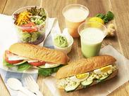 旬の野菜を使ったスープや、食べ応えあるサンドイッチまで…様々なメニューが学べるのも嬉しいPOINTです。