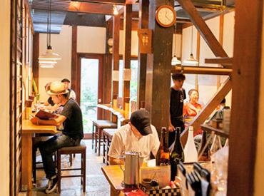 新鮮な牡蠣を楽しめることで人気のお店です! 海外からのお客様もいらっしゃるので、語学力を活かしたい方にもオススメ♪