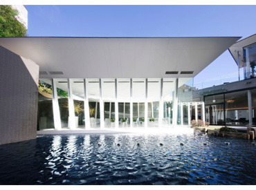 【ブライダルSTAFF】゜*感動の瞬間のお手伝い*゜★三瀧荘→歴史のある建物で働いてみませんか♪★広島モノリス→光に包まれた開放感のある式場♪