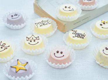 にっこり笑顔のかわいいチーズケーキが有名★.+゜ スタッフの誕生日には、なんと バースデイケーキプレゼントもあり◎
