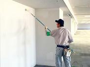 """≪新しくできた建物の壁を塗装するお仕事♪≫ """"壁がどんどんキレイになっていくのが気持ちいい!"""" とのスタッフの声も◎"""