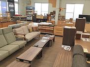 扱う家具はオーダーメイド中心!オシャレな家具に囲まれてお仕事できるチャンス☆インテリア・DIY好きにはたまらない環境です♪