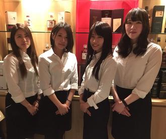 【BARコンシェルジュ】*☆━0時以降は無料で送迎━☆*仙台駅前のオシャレなBAR♪シフト自由でプライベートも両立◎10代20代女性スタッフ活躍中♪♪