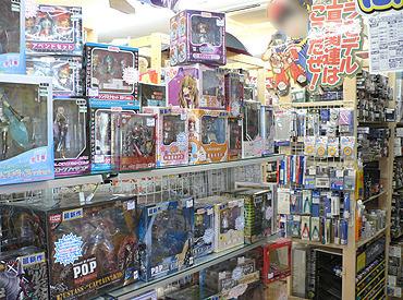 店内には人気の商品はもちろん、おもしろアイテムがいっぱい♪最新情報をイチ早くキャッチできるのは当店ならでは!