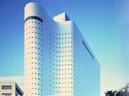 ホテルはJR新宿駅から地下コンコースで直結!通勤便利&アクセス抜群★ 人気の都心ホテルで楽しく働きませんか?