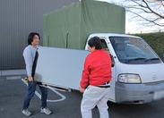 ↑お仕事について↓ まずは家具を運んだり、降ろしたり、 社員さんのお手伝いからSTART! 買い取り業務は、業務が慣れてから◎