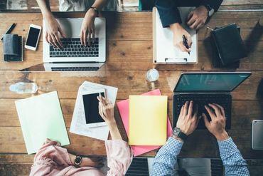 【WEBデザイナー】1対1の丁寧な研修☆だから短期間で身につく♪研修後もレベルに合わせて段階的にフォロー★1年後、大手企業の正社員という道も!
