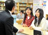 生徒とじっくり向き合えるのも≪ゴールフリー高等学院≫ならでは♪ 「先生、ありがとう!」の笑顔が嬉しいお仕事です◎