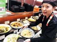 """20~50代まで幅広い年代の""""女性""""が活躍中!沢山の和食のおかずはレシピの参考にも…♪"""