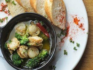 【レストランStaff】【来社不要の電話登録OK&履歴書不要】オーガニック食材を使用したカリフォルニア料理店。自分のレパートリーも増えるかも!?